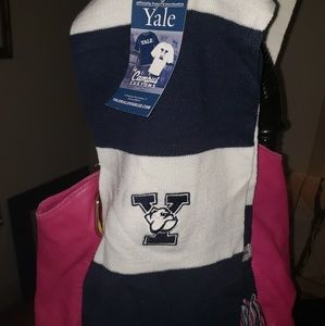 campus customs Accessories - Yale Scarf